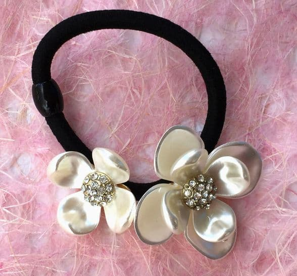 HB2135 - Flower sequein and pearl hair pony / bracelet